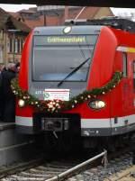 wendlingen-n/46974/geschmueckter-triebwagenkopf-in-wendlingenn-12122009 Geschmückter Triebwagenkopf in Wendlingen/N. (12.12.2009)