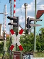 Bahnubergange/71807/lichtsignalanlage-und-schranken-am-bahnuebergang-schuetzenstrasse Lichtsignalanlage und Schranke(n) am Bahnübergang Schützenstraße in Wendlingen am Neckar. (23,05,2010)