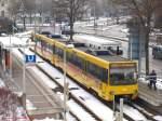 Stadtbahn Stuttgart/54485/duewag-dt84-3041-mit-werbung-fuer DUEWAG DT8.4 3041 mit Werbung für Wilhelma Zoologischer Garten an der Haltestelle Untertürkheimer Bf um 15:47 Uhr als U13 nach Hedelfingen. (17,02,2010)