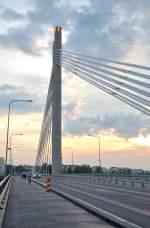 rovaniemi/152620/die-am-ufer-des-flusses-ounasjoki Die am Ufer des Flusses Ounasjoki gelegene Jätkänkynttiläsilta (Holzfällerkerzenbrücke). (10:06:2011)